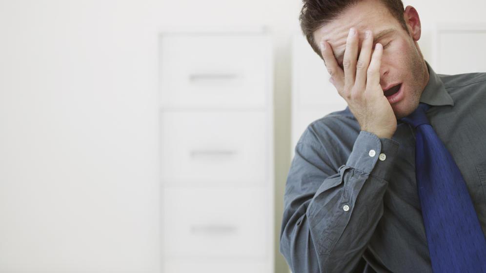 dormir pocas horas al día son la disminución de células cerebrales.